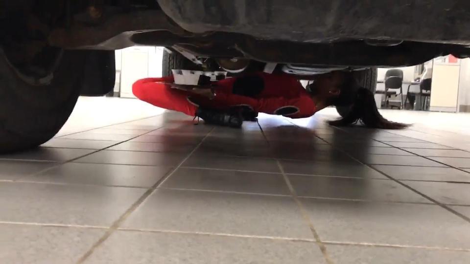 Limbo sub mașină