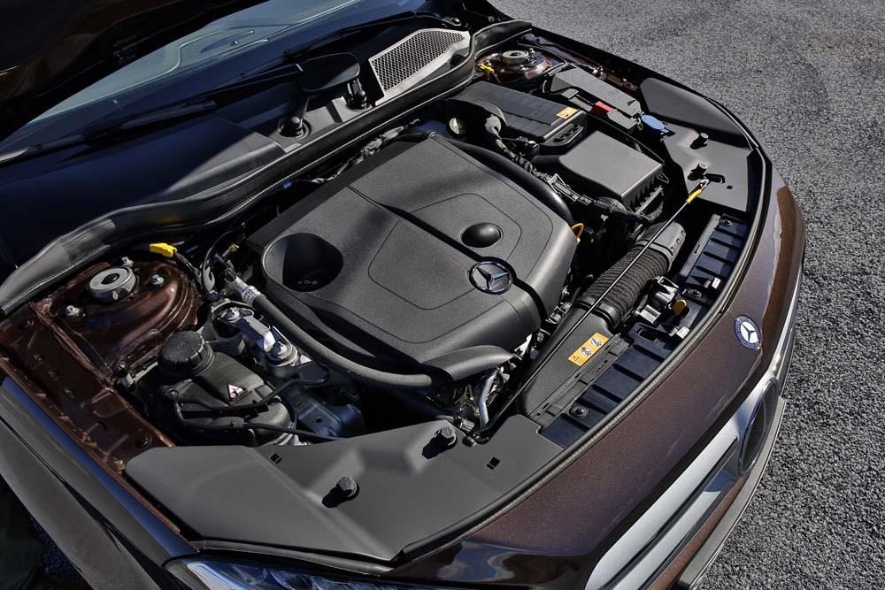 Mercedes Benz, Fahrvorstellung, Granada 2014, GLA 220 CDI, 4MATIC, AMG 7G DCT, Offroad-Komfort, Orientbraun Metallic, Ledernachbildung Artico Sahara Beige