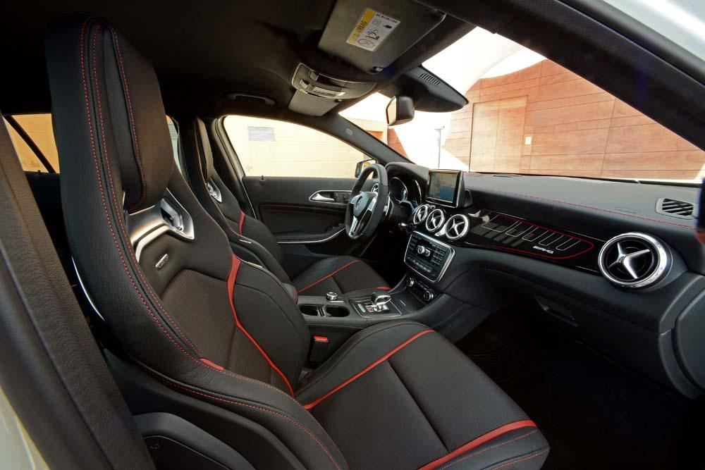 GLA 45 AMG Edition 1 AMG Performance AMG 7G-DCT zirrusweiß Leder perforiert schwarz RED CUT