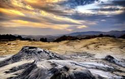 Vulcanii noroioși, un fenomen spectaculos