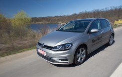 Volkswagen Golf facelift – Dați câte unul să ajungă la toată lumea!