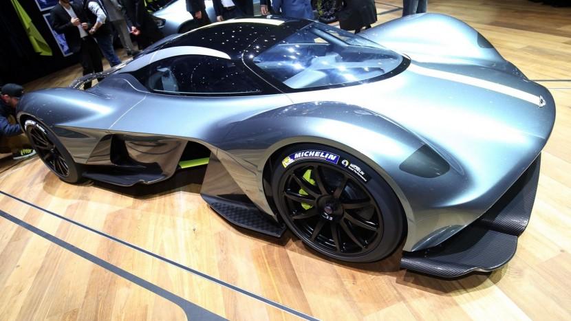 Aston Martin Valkyrie -4