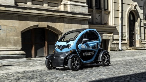 Zig zag prin oraș cu Renault Twizy