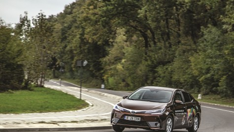 Test drive Toyota Corolla 1.6 Valvematic CVT Sol