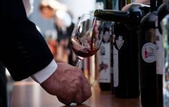 Sute de feluri de vin, unele în premieră națională,  vor fi expuse și degustate la a XIV-a ediție VINFEST