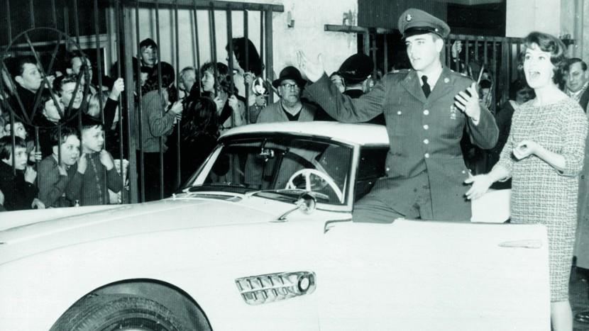 masina-lui-Elvis-1