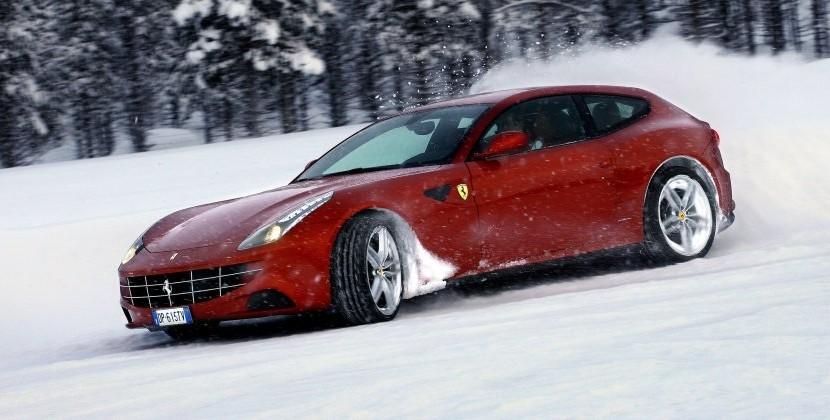 Ferrari FF 2 cele mai sexy mașini