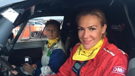Roxana Ciuhulescu ia startul în Baja 500 Romania, în cadrul unei echipe exclusiv feminine