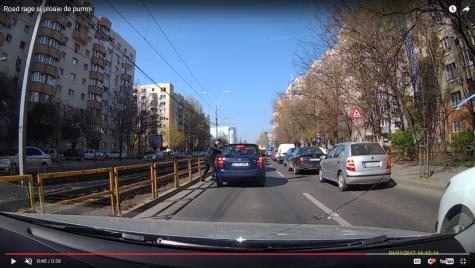 Bataie in trafic: Ploaie de pumni în Capitală (video șocant)