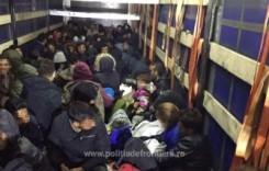 Vama Nadlac: 111 migranți ascunși într-un camion