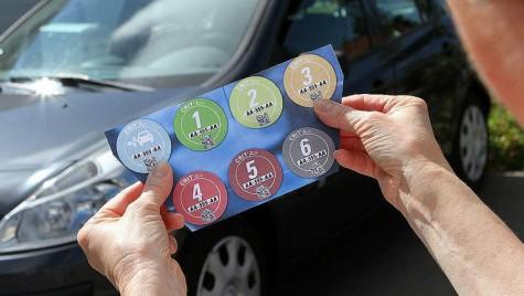 Taxa auto: Cum arată noile stickere colorate și ce înseamnă