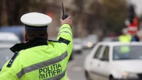 Ce reguli trebuie să respecți pentru a circula pe drumurile publice