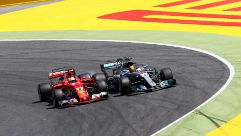 Cursă cu de toate – Lewis Hamilton a câștigat Marele Premiu al Spaniei