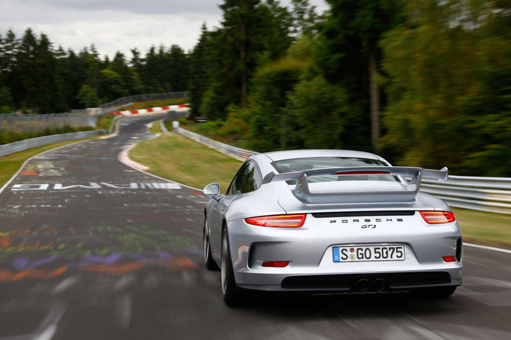 Porsche-911-GT3-Heckansicht-fotoshowBig-ee428e4c-734571