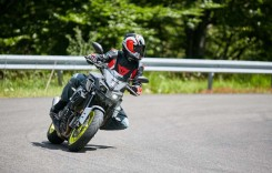 AGRESIUNE PURĂ. TEST YAMAHA MT-10