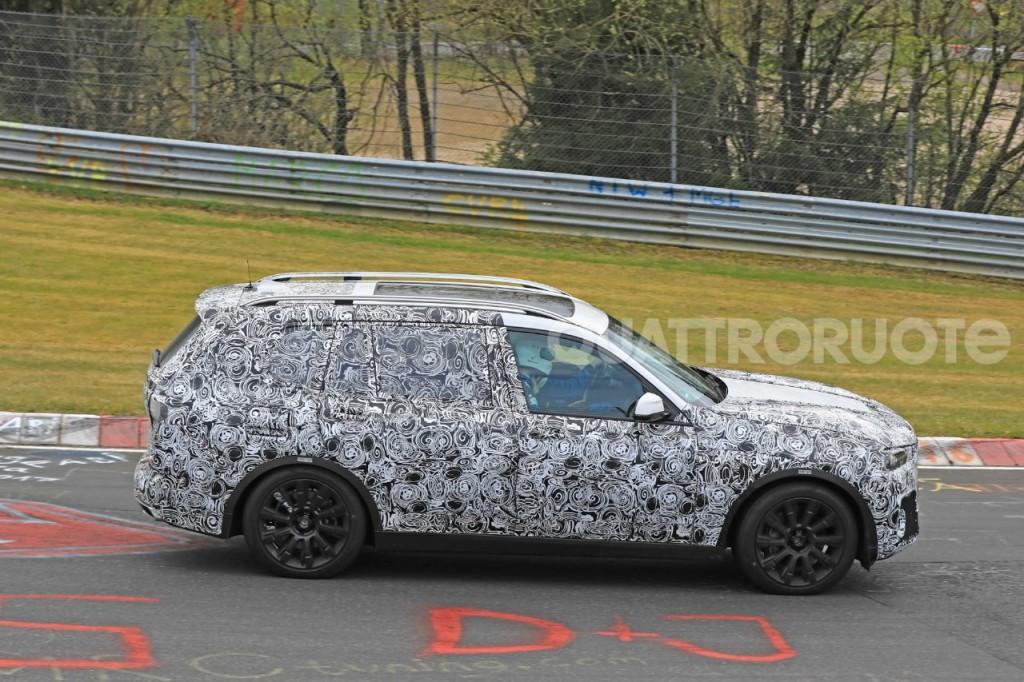 2017-BMW-X7-5