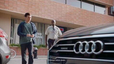 Spiderman dă examen auto la volanul noului Audi A8