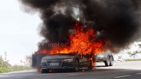 Și era doar în teste – Prototip Audi A7 2019 ia foc pe șosea!