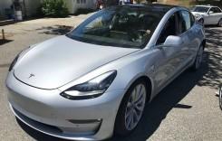 Tesla Model 3: Culoarea și jantele, singurele opțiuni