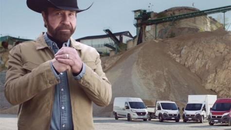 Chuck Norris, super-erou în reclama la noul Fiat Ducato