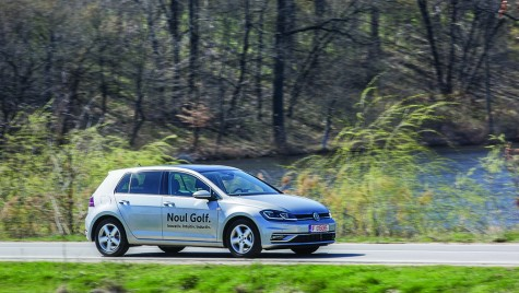 Test Volkswagen Golf 2.0 TDI DSG Highline: Sus ștacheta!