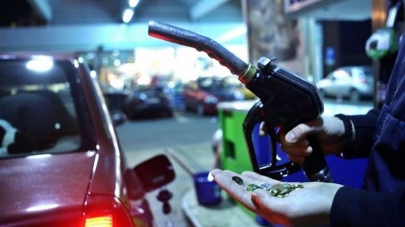 Din 12 octombrie nu mai poți să pui benzină de 95 la pompă. Care este motivul