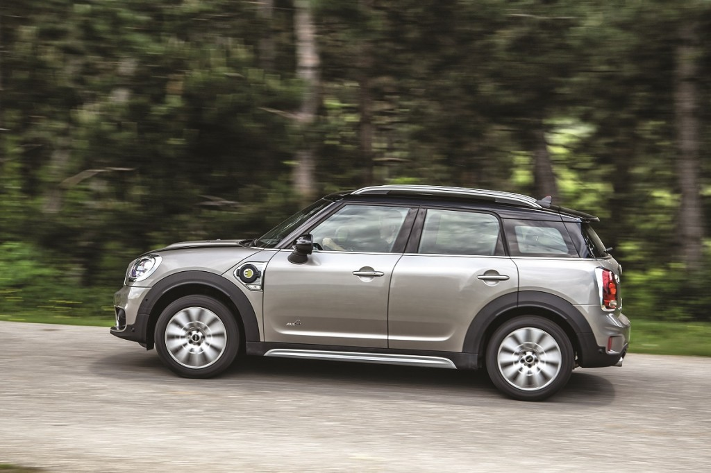 Mini S E Countryman