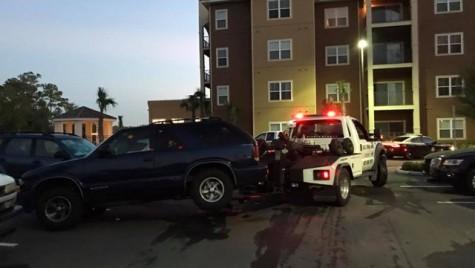 Una n-a scăpat! Un șofer a lovit 17 mașini încercând să parcheze