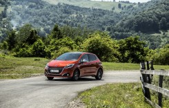 Test drive Peugeot 208 1.2 L Pure Tech Turbo – Regele leu