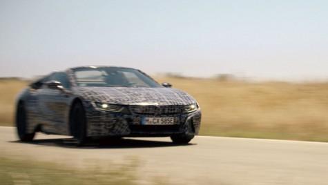 BMW i8 Roadster: Cum arată noua sportivă hibridă