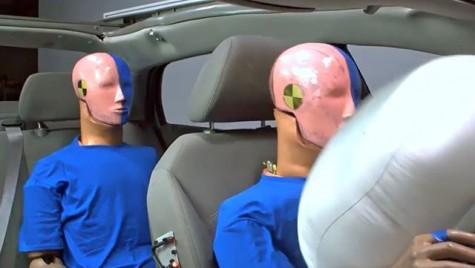 Uite de ce trebuie să porți centura de siguranță și dacă stai pe locurile din spate