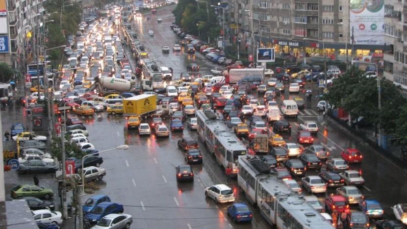 Primăria Capitalei va deconta benzina pentru cetăţenii din Bucureşti şi Ilfov