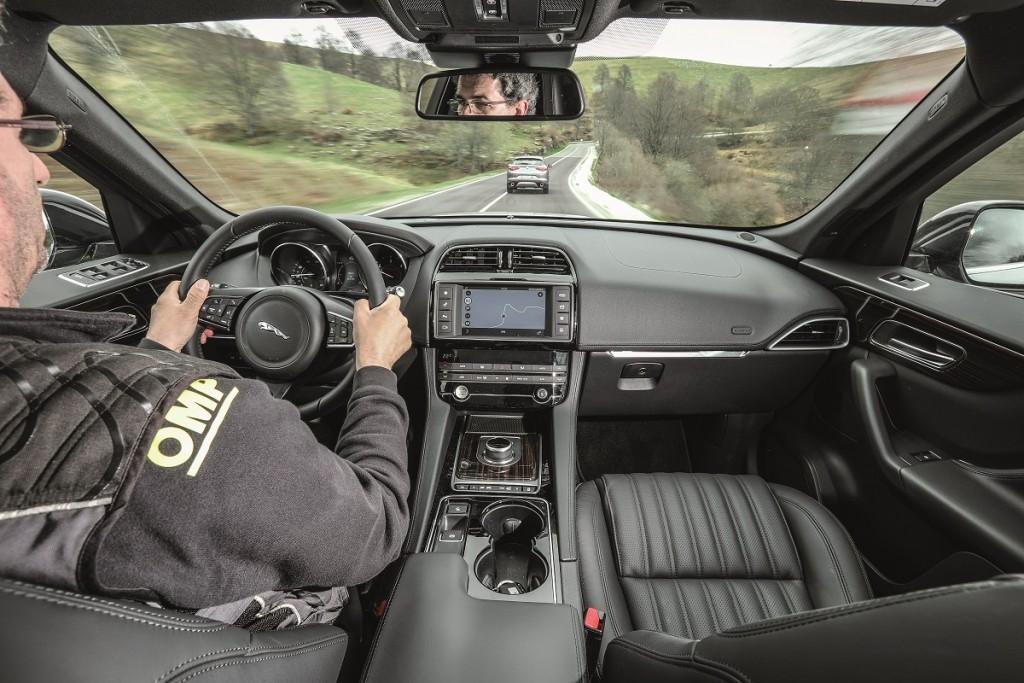 Alfa Stelvio vs Jaguar F-Pace (20)