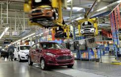 Ford suspendă producția la cinci dintre fabricile sale