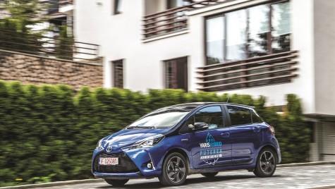 Test drive Toyota Yaris 1.5 I Hybrid Sol Bi-Tone – Electroni cizelați