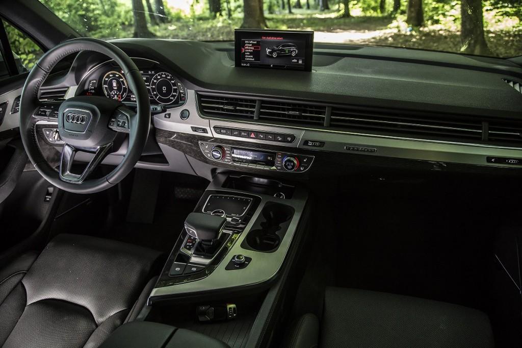 Mercedes-Benz GLE 500 e vs Audi Q7 e-tron (18)