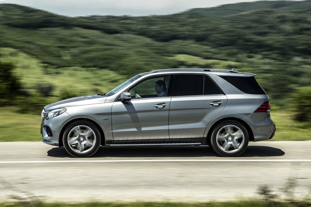 Mercedes-Benz GLE 500 e vs Audi Q7 e-tron (7)
