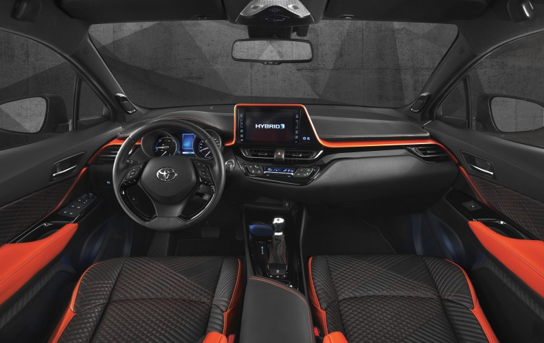 Toyota C-HR Hy-Power (11)