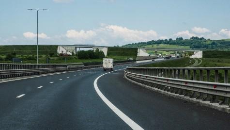 S-a crăpat autostrada! Limită de 60 km/h pe tronsonul Sibiu-Sebeș