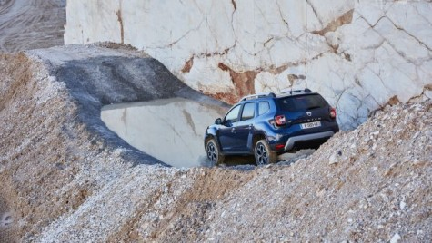 Dacia Duster 4X4 Everyone. Duster-ul agresiv care sperie Range Rover şi Mercedes GL