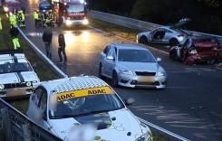 Accident în lanț la Nurburgring! Cum să faci praf 14 mașini în două minute?