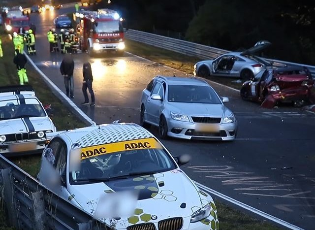 Nurburgring accident în lanț (5)