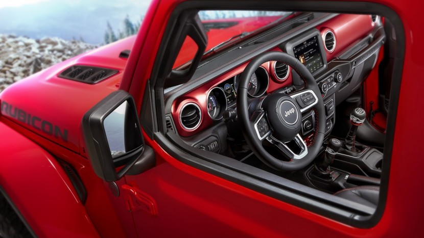 jeep-wrangler-2018-interior-1