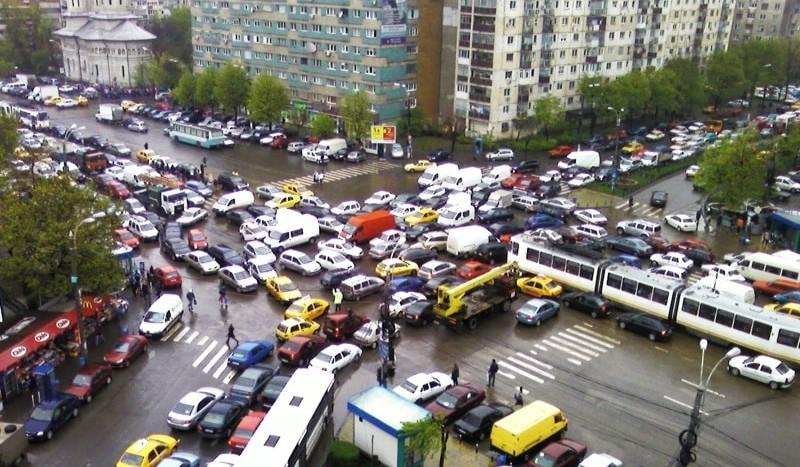 Primăria Capitalei: Sistemul de semaforizare a fost accesat ilegal