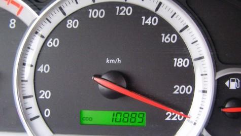 Amenzi pe autostrăzi. 76 de şoferi au depăşit viteza de 180 km/h