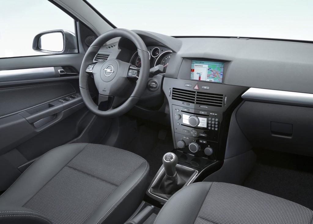 Opel-astra-h-interior