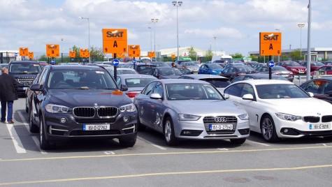 Români acuzați că vindeau mașini închiriate din Germania și Spania