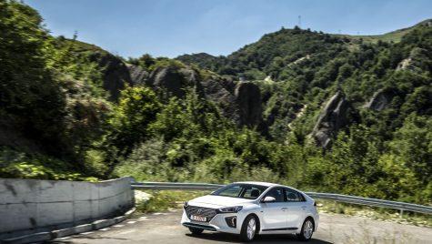 Test Hyundai Ioniq 1.6 Hybrid 6DCT