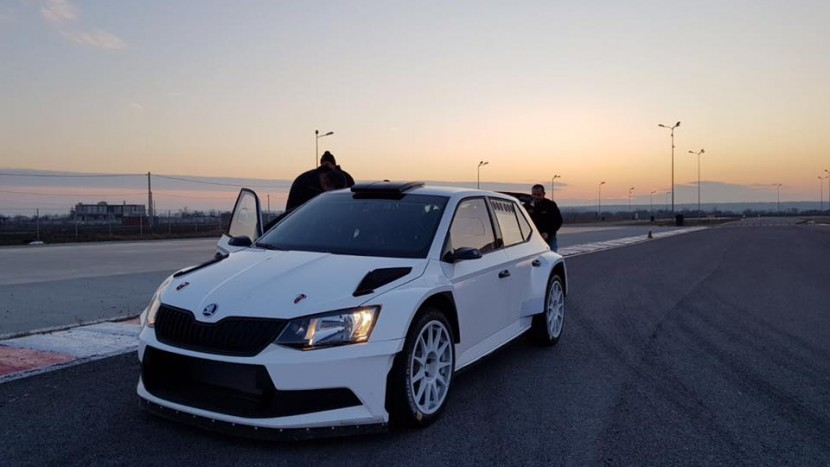 Titi Aur Skoda Fabia RS (1)