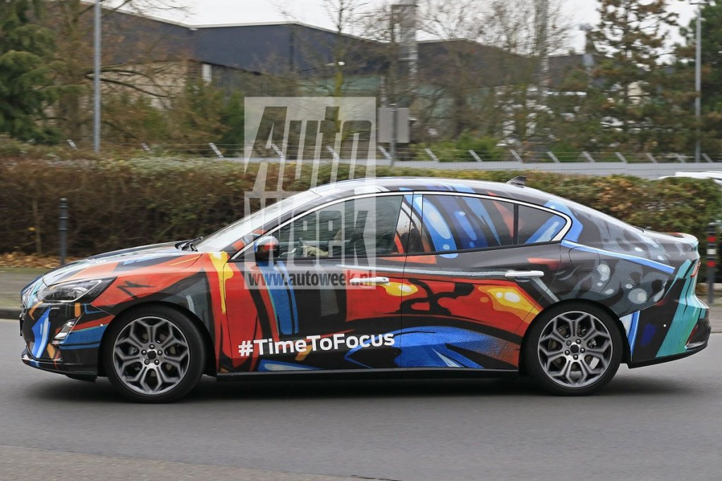 ford-focus-sedan (4)